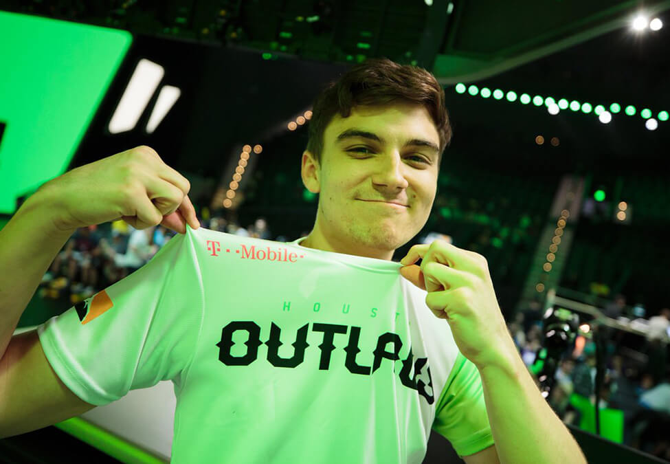Houston Outlaws T-Mobile Partnership Renewal