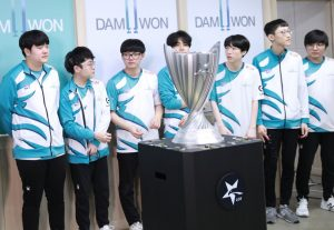 Ehm3dteUcAApzI1 e1604323338955 300x207 - Riot Games reveals LCK's 10 franchised teams
