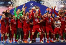 Liverpool players celebrate winning the 2018/29 Champions League