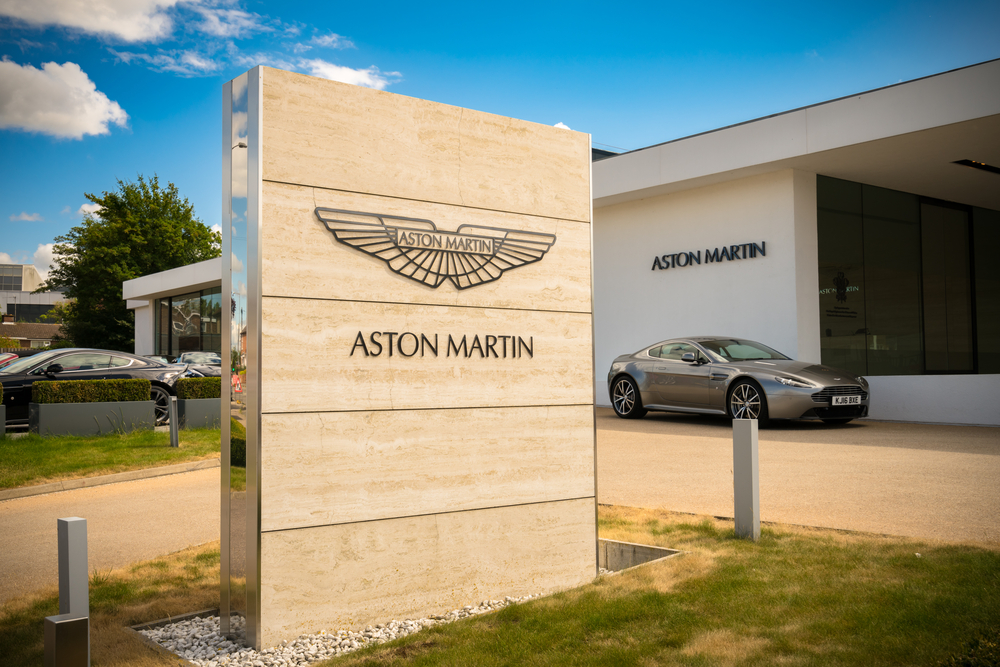 Aston Martin back in Formula One with Cognizant as title partner