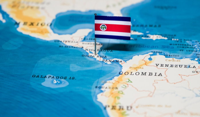 Costa Rican President Carlos Alvarado's project to introduce a tax on lottery prizes has been approved in a multi-sector dialogue table this week.